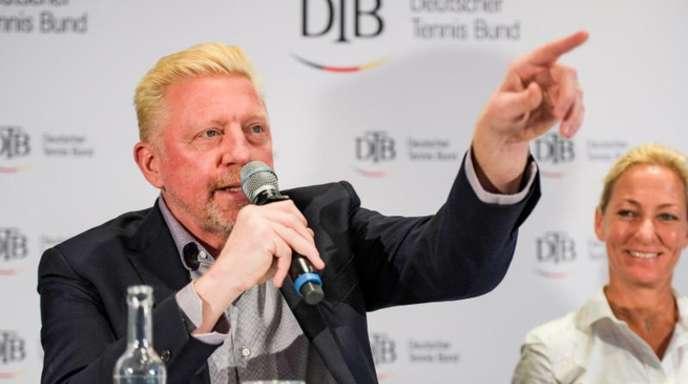 Boris Becker gesteht Tennis-Ass Alexander Zverev Zeit für dessen Entwicklung zu.