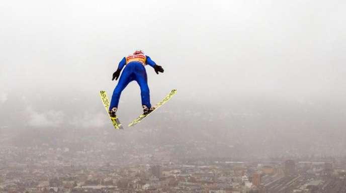 Richard Freitag beim Springen in Innsbruck.