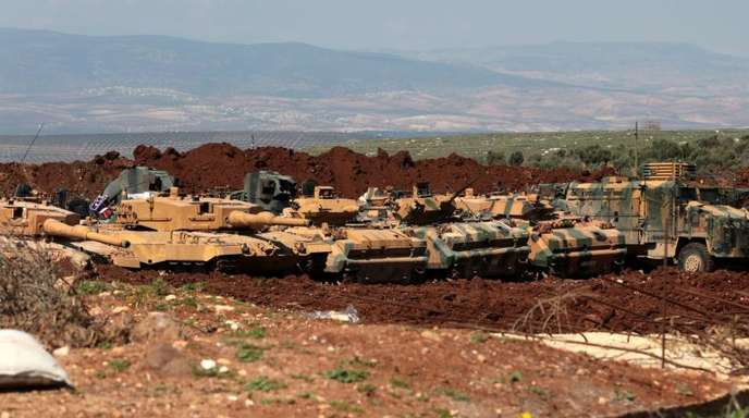 Türkische Panzer in der Nähe von Afrin.