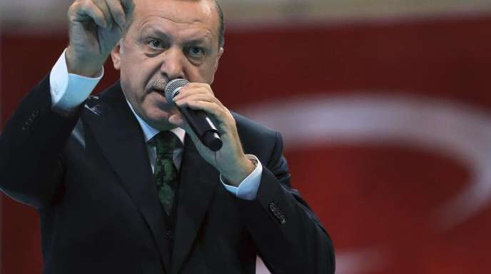 Recep Tayyip Erdogan, Präsident der Türkei, während seiner Ansprache bei einem Kongress der türkischen Regierungspartei AKP.