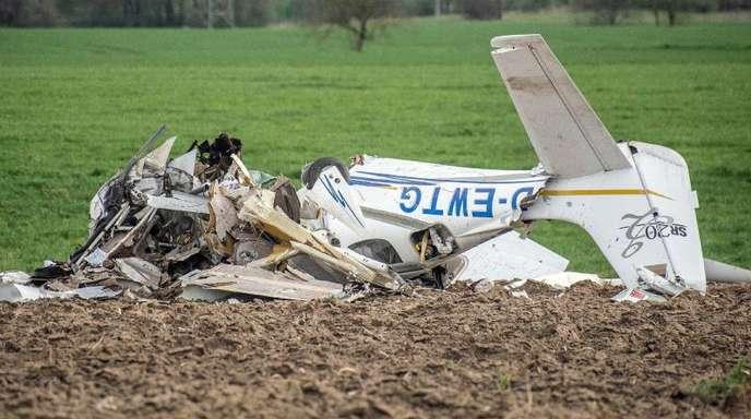 Ein Flugzeug war mit einem Ultraleichtflugzeug zusammengestoßen, beide Flugzeuge waren im Landeanflug auf den Adolf Würth Flughafen.