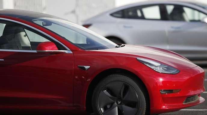 Teslas Model 3 soll nach Angaben von Firmenchef Musk im ersten Halbjahr 2019 auch in Europa ausgeliefert werden.
