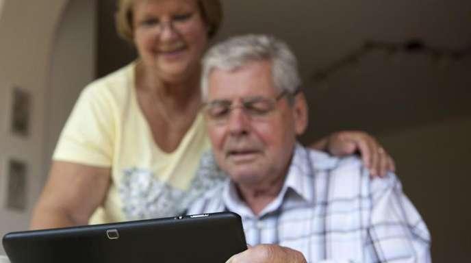 Man ist nie zu alt zum Zocken:Computerspiele sprechen auch die Altersgruppe der über 50-Jährigen an.