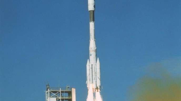 Frankreich, Französisch-Guayana: Die Rakete «Ariane 4» startet ins All.