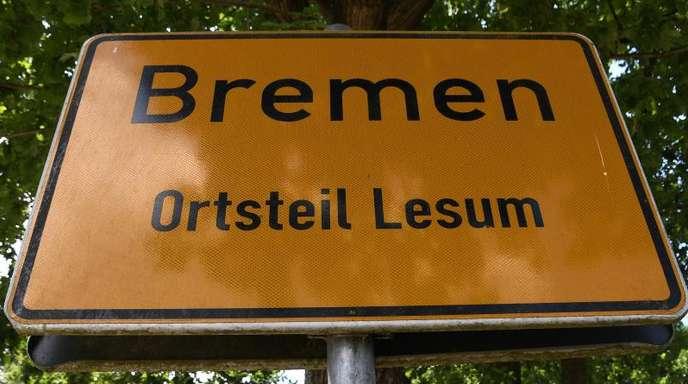 Im Bremer Ortsteil Lesum haben mehrere Männer einen vermeintlichen Pädophilen in seiner Wohnung zusammengeschlagen und schwer verletzt.