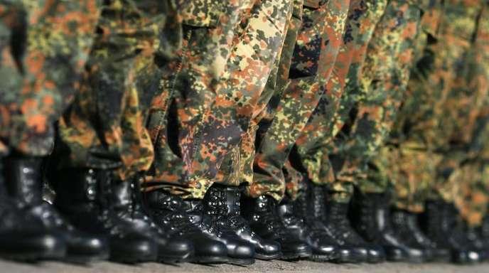 Im Rahmen einer Bundeswehrreform wurde die Wehrpflicht 2011 ausgesetzt.