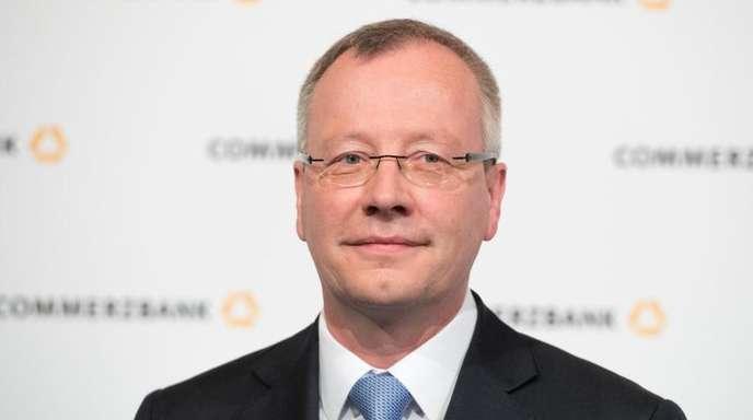 Nach Ansicht von Michael Mandel, Privatkundenvorstand der Commerzbank, werden mobile Bezahlsysteme weiter an Bedeutung gewinnen.
