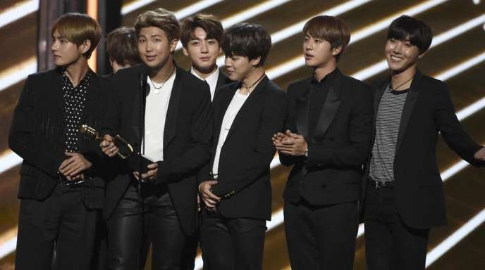 Die südkoreanische Boygroup BTS(Bangtan Boys) bei der Verleihung der Billboard Music Awards 2017.