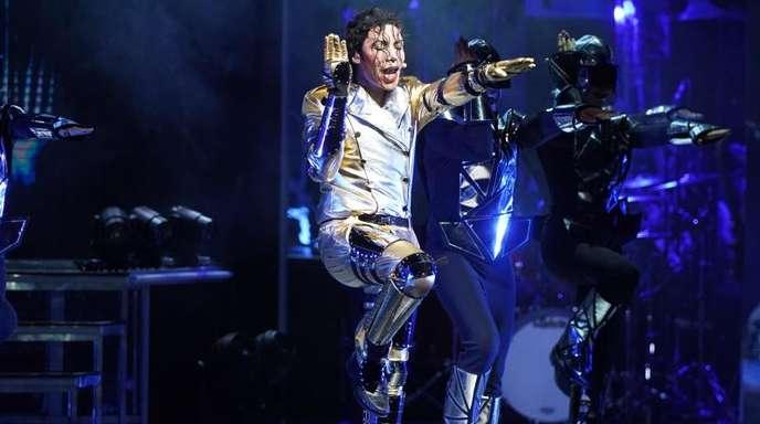 Dantanio Goodman verkörpert den erwachsenen Michael Jackson.