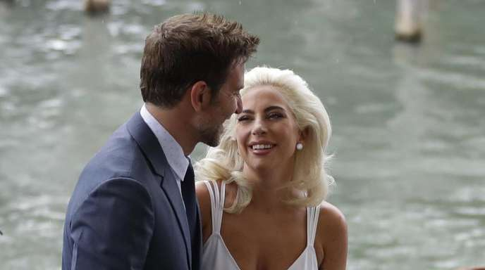 Lady Gaga (r) und Bradley Cooper beim Filmfestival in Venedig.