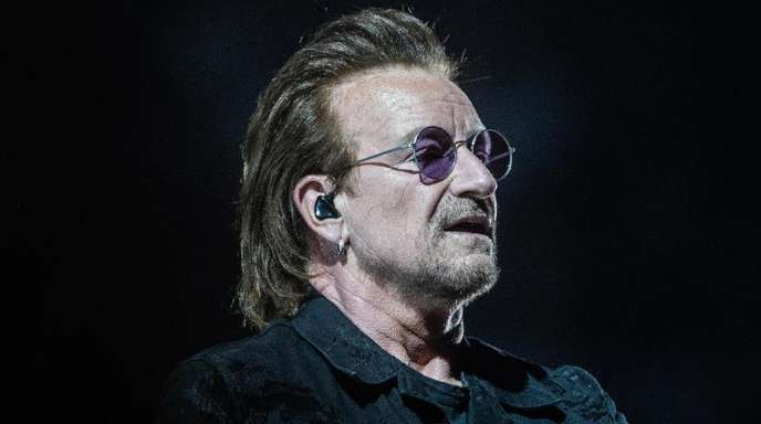 Bono während seines ersten Konzerts am Freitagabend in Berlin.