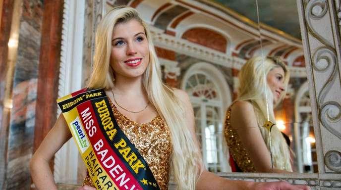 Die damalige Studentin und Miss Baden-Württemberg Céline Willers 2015 im Universitätsgebäude Schloss Hohenheim.