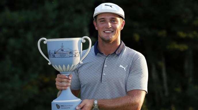 US-Golfer Bryson DeChambeau hat das Turnier in Norton im US-Staat Massachusetts mit 16 Schlägen unter Platzstandard gewonnen.