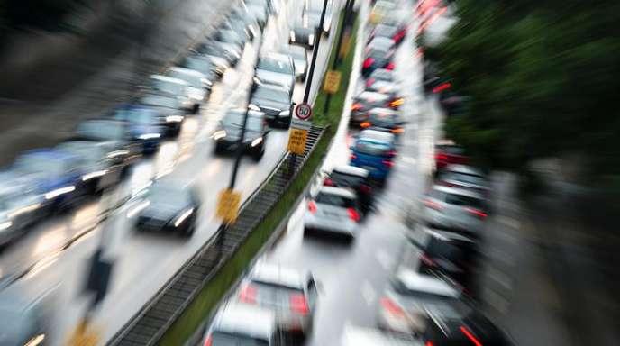Die Europäische Autoindustrie stellt die Einhaltung der vorgeschriebenen Klimaziele für 2021 in Frage.
