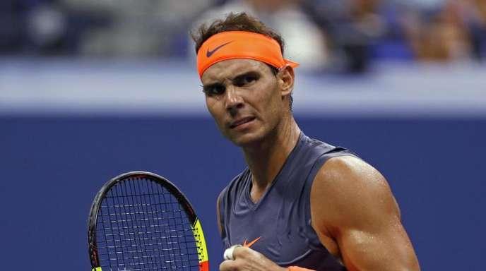 Rafael Nadal zeigt Muskeln. Nach fast fünf Stunden Kampf steht der Spanier im Halbfinale der US Open.