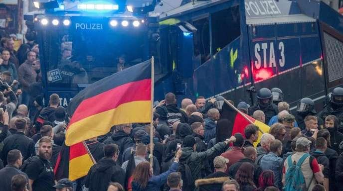 Teilnehmer einer Demo von AfD und Pegida am 1. September in Chemnitz.