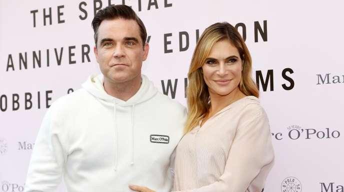 Robbie Williams und seine Frau Ayda heißen die kleine Colette (Coco) Josephine willkommen.