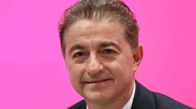T-Systems-Chef Adel Al-Saleh während der Hauptversammlung der Deutschen Telekom in Bonn.