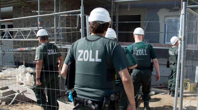 Razzia gegen Schwarzarbeit auf einer Baustelle in Frankfurt am Main.