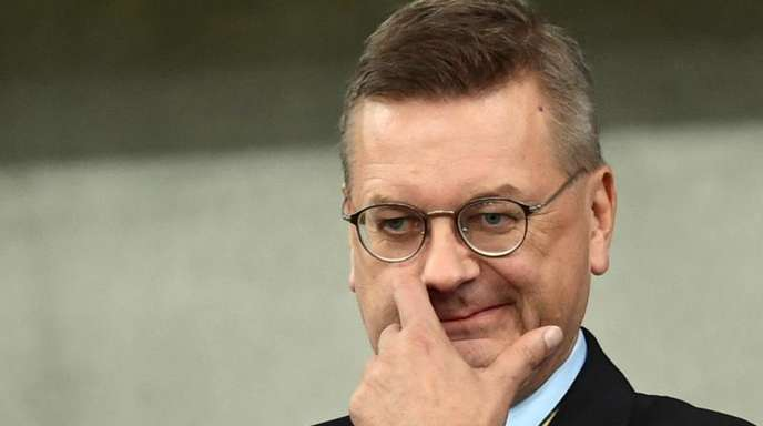 Reinhard Grindel ist der Präsident des Deutschen Fußball-Bundes.