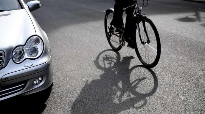 Jeder zehnte Autofahrer hält Fahrradfahrer für eines der größten Sicherheitsprobleme im Straßenverkehr.