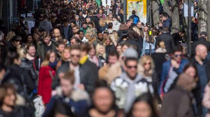 Belebte Königstraße in Stuttgart: Ende 2017 lebten 82,8Millionen Menschen in Deutschland.