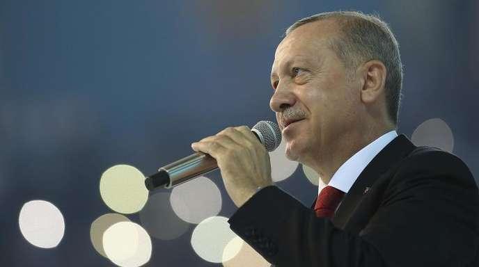 «Wir werden die Ergebnisse der Unabhängigkeit sehen», sagte Erdogan mit Blick auf die formelle Unabhängigkeit der türkischen Zentralbank von der politischen Führung.