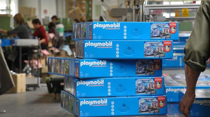 Playmobil-Herstellung in einer Produktionshalle der Firma Geobra Brandstätter in Dietenhofen in Mittelfranken.