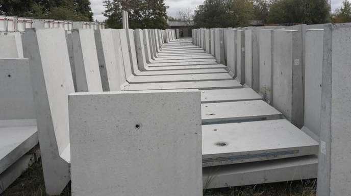 Mauerteile für das Berliner DAU-Projekt.