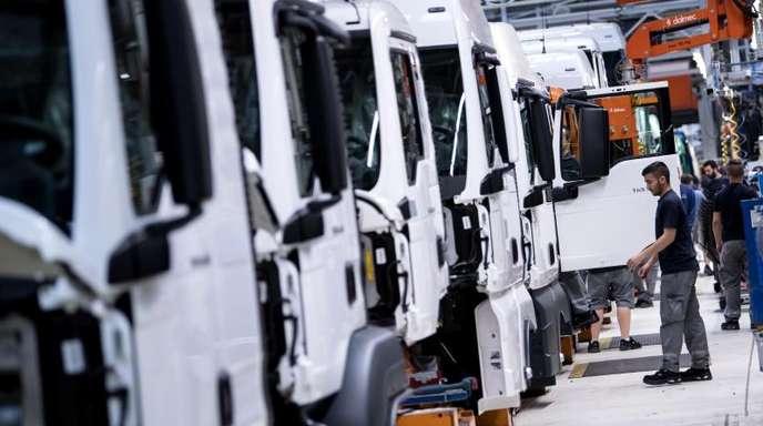 «Die deutsche Wirtschaft zeigt sich stabil, auch wenn die Unsicherheit steigt», kommentierte ifo-Chef Clemens Fuest die Daten.