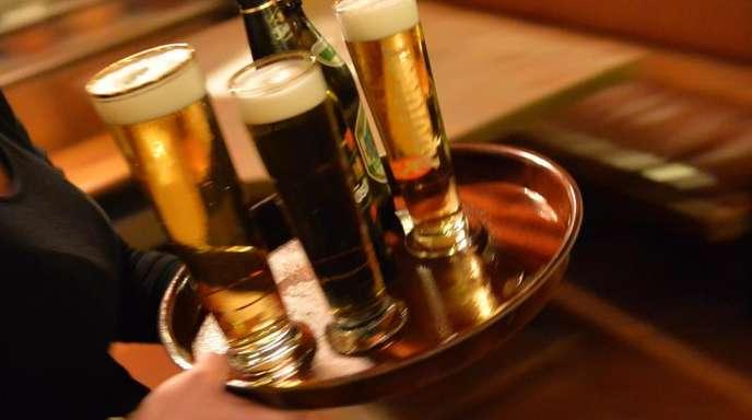 In der Gastronomie arbeiten viele Beschäftigte zu Niedriglöhnen.