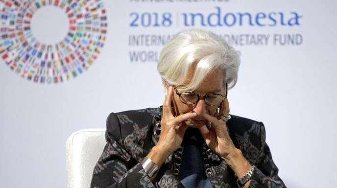 IWF-Chefin Christine Lagarde lauscht während einer Konferenz auf Bali.