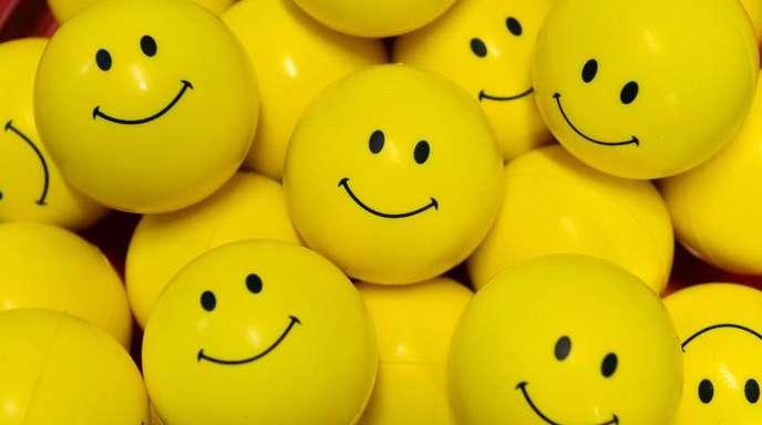 Das Glücksniveau in Deutschland liegt laut Studie weiterhin hoch.