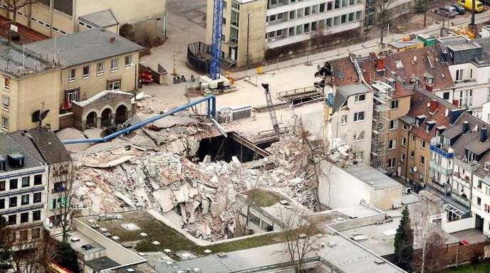 Das Kölner Stadtarchiv in Trümmern: Laut Anklage haben Fehler bei Bauarbeiten zu dem Unglück geführt.