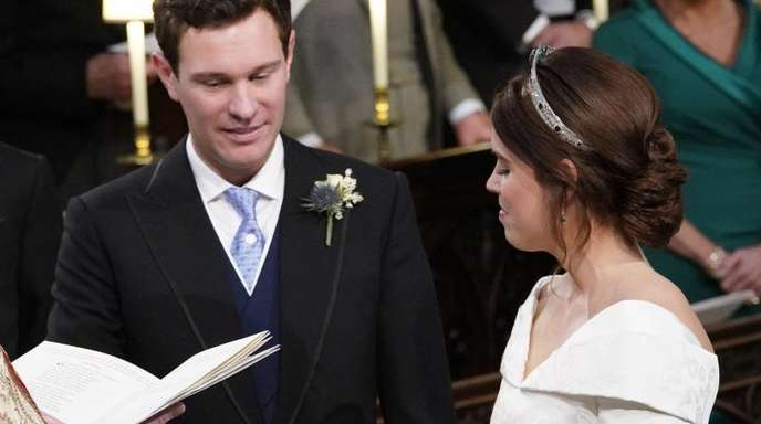 Prinzessin Eugenie und Jack Brooksbank bei der Trauungszeremonie in der St.-Georges-Kapelle von Schloss Windsor.