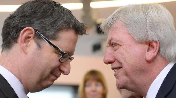 Der SPD-Landesvorsitzende Thorsten Schäfer-Gümbel zusammen mit dem hessischen Ministerpräsidenten Volker Bouffier.