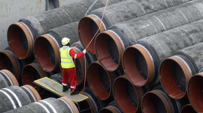 Die Verlegearbeit erfolgt an mehreren Stellen gleichzeitig, insgesamt beteiligen sich den Angaben zufolge aktuell rund 30 Schiffe an den Bauarbeiten in der Ostsee, wie hier das Verlegeschiff «Audacia».
