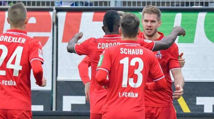 Der 1. FC Köln setzt auf die Tore von Simon Terodde (r).