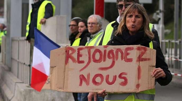 Die «Gelbwesten» sind aus Protest gegen steigende Spritkosten und die Reformpolitik der Regierung auf die Straße gegangen.