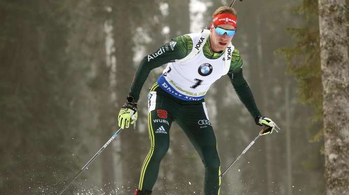 Beim Weltcup-Auftakt in Pokljuka läuft Johannes Kühn über 20 Kilometer auf Rang zwei.