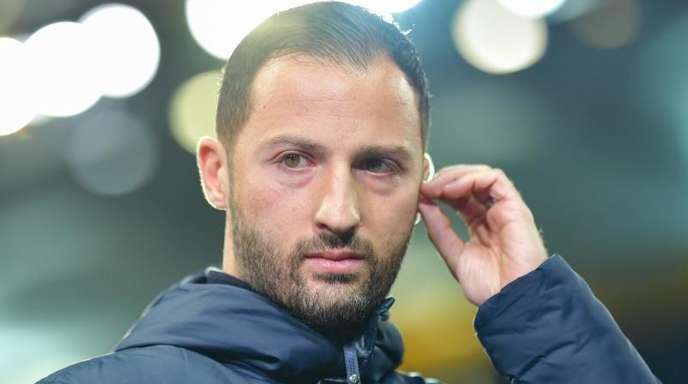 Möchte im Revierderby den BVB ärgern: Schalke-Coach Domenico Tedesco.