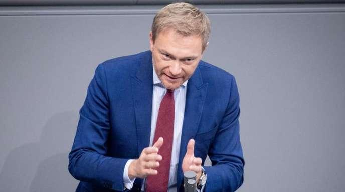FDP-Chef Lindner fordert, dass alle Autohersteller, die manipulierte Diesel in Deutschland verkauft haben, in einen nationalen Dieselfonds einzahlen sollen.