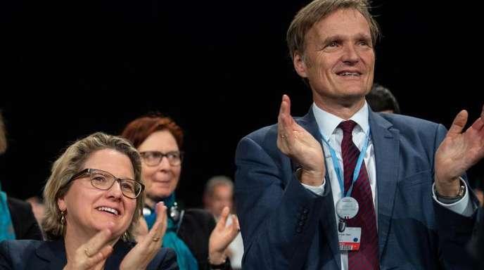 Bundesumweltministerin Svenja Schulze und Karsten Sach, Leiter der deutschen Verhandlungsdelegation, in Kattowitz. Fotzo: Monika Skolimowska