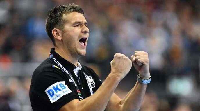 Die DHB-Auswahl mit Trainer Christian Prokop ist erfolgreich in das Heim-Turnier gestartet.