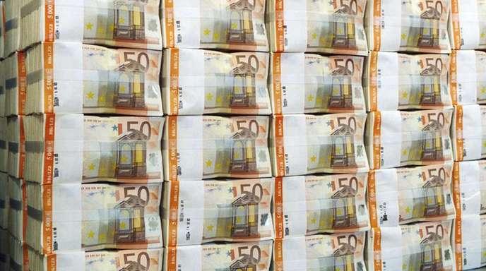 Seit Ausbruch der Finanzkrise 2008 sparten die deutschen Finanzminister insgesamt 368 Milliarden Euro durch die Niedrigzinsen.
