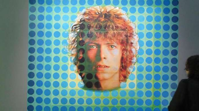 Das von Victor Vasarely entworfene Plattencover von Davis Bowies «Space Oddity» im Pariser Centre Pompidou.