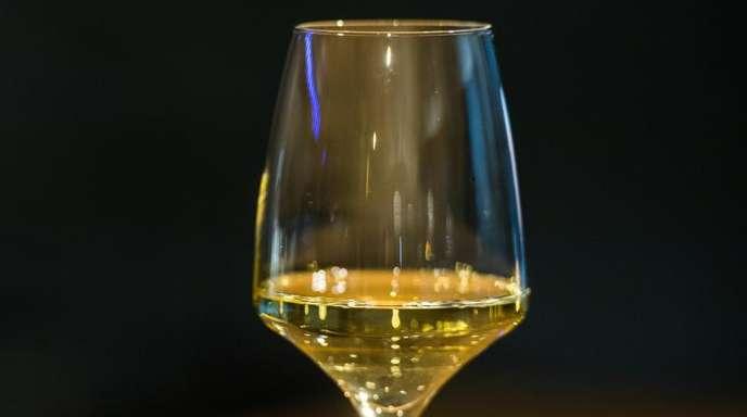 Trockener Wein wird immer beliebter, sagen Experten.