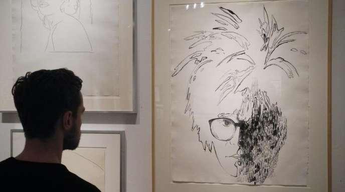 Ein Selbstporträt von Andy Warhol in der Ausstellung «By Hand»in der New York Academy of Art.