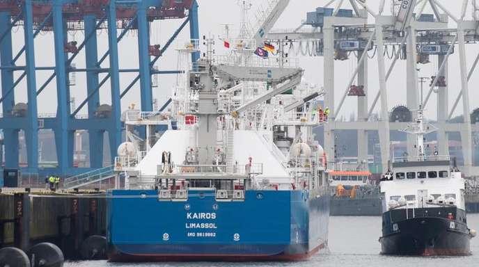 Das LNG-Bunker-Schiff «Kairos» liegt am Kreuzfahrtterminal Steinwerder. Das 117 Meter lange Schiff kann 7500 Kubikmeter Flüssigerdgas (LNG) laden.