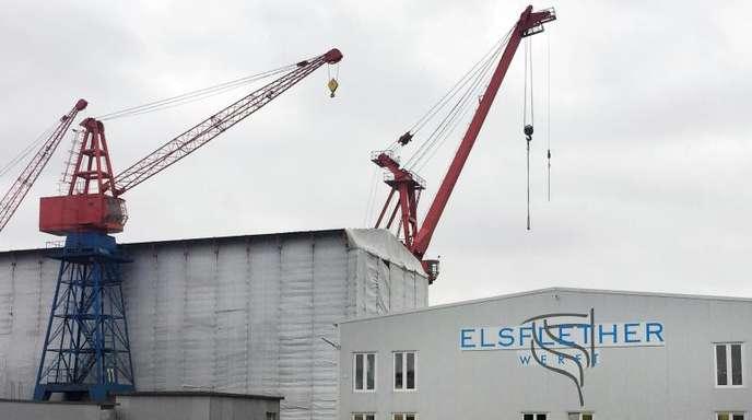 Das Firmengelände der Elsflether Werft AG. Die neue Führung will versuchen, den Schiffbaubetrieb mit einer Insolvenz in Eigenverantwortung wieder auf Kurs zu bringen.